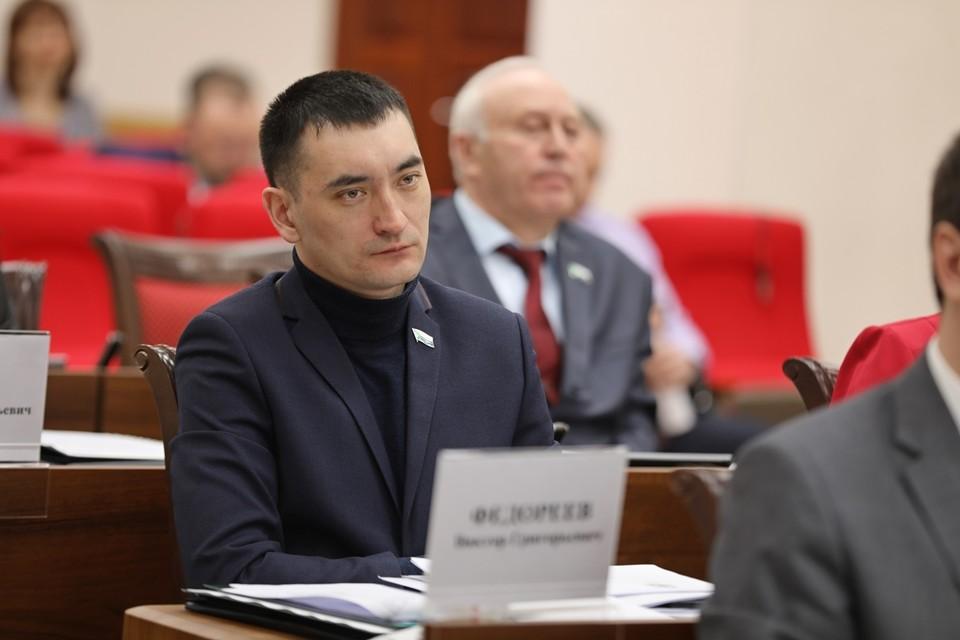 Виктор Федореев: «Бюджет Амурского района принят дефицитным, но свои социальные обязательства район выполнит»