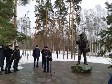 Автор памятника Василию Пескову в Воронежском заповеднике: «Пока шлифовал скульптуру, похудел на 8 килограмм»
