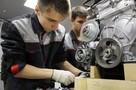 Крутой поворот: сибирский автомеханик перевоспитал подростка из детдома, взяв его учиться на СТО