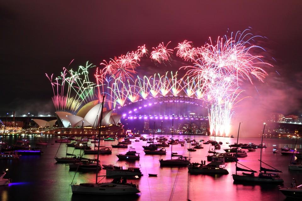 31 декабря весь мир с трепетом и радостью проводит уходящий и встретит Новый, сулящий обновление и радость, 2021 год