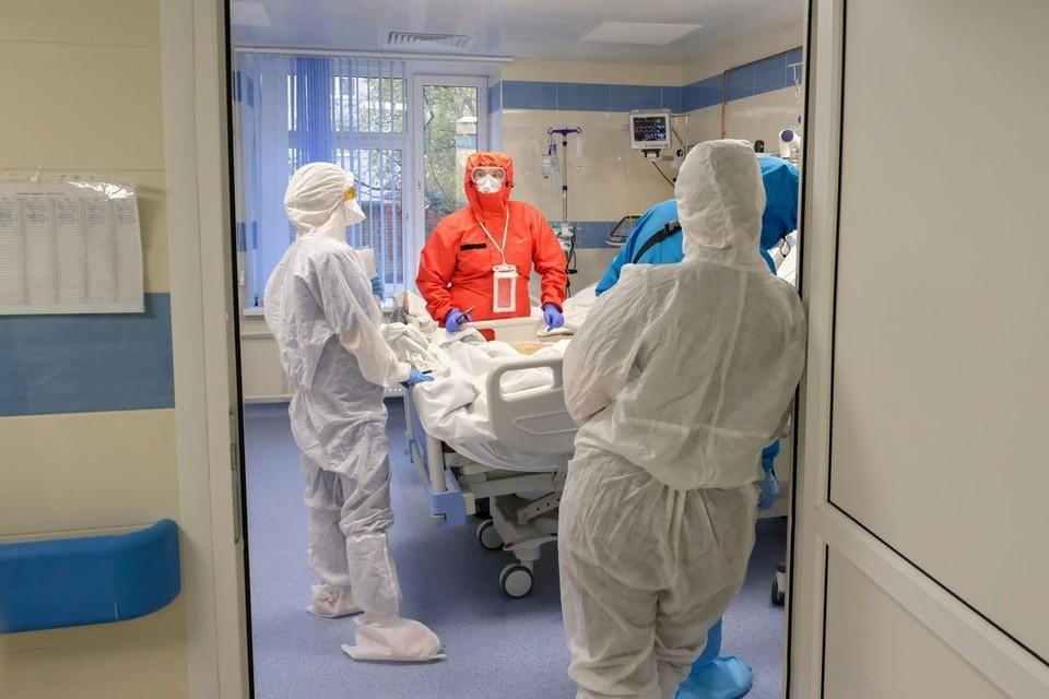С начала пандемии от болезни умерло почти 1000 человек