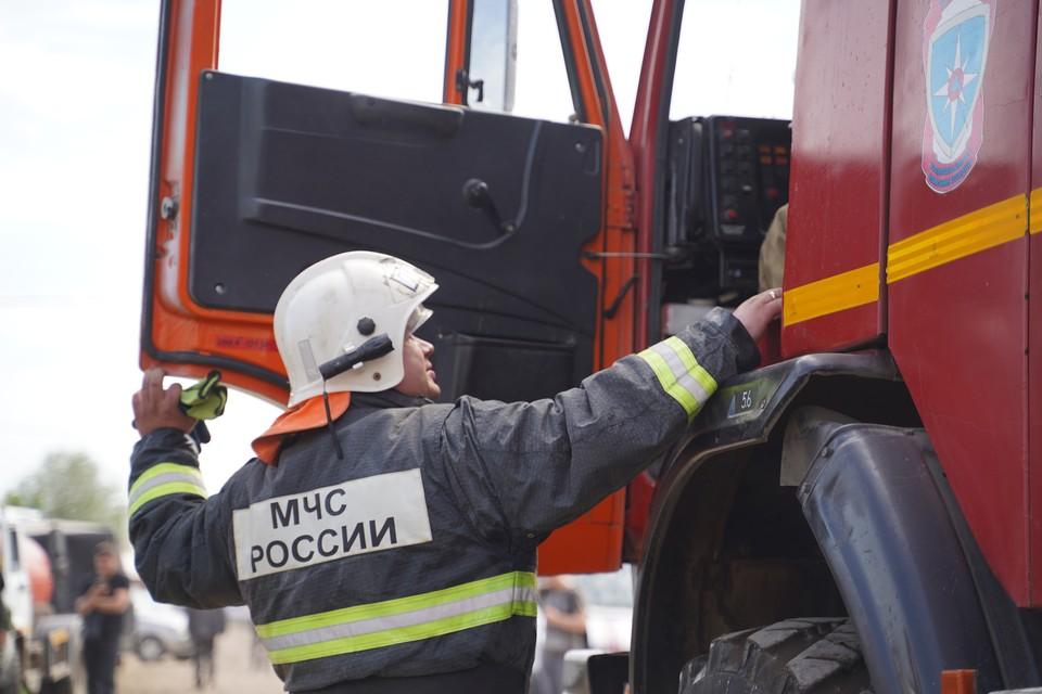 В Сочи потушили пожар в заброшенном здании
