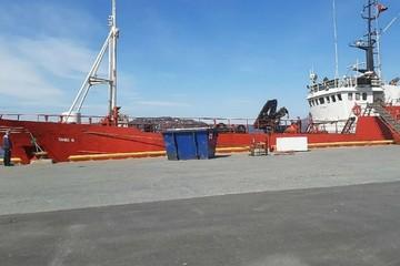 """Прекращены поиски 17 моряков с затонувшего в Баренцевом море судна """"Онега"""""""