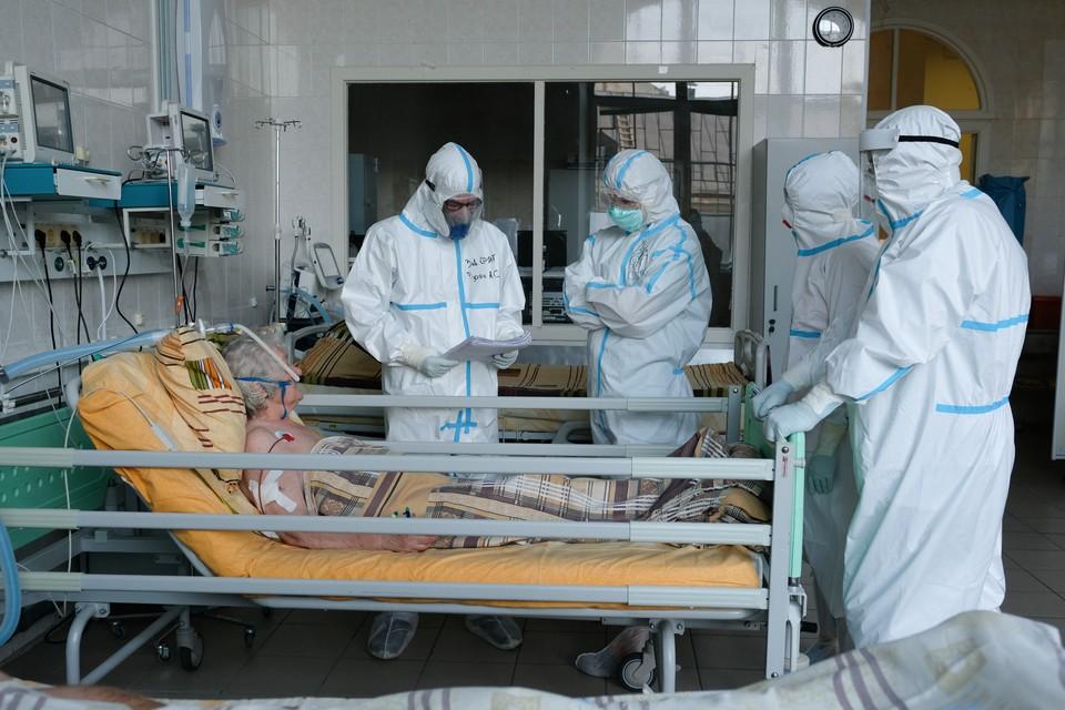 Почти 90 омичей отправились в стационары по коронавирусу.