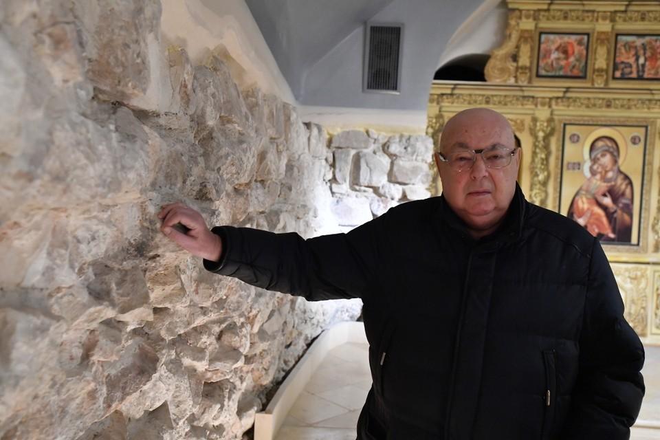 Владимир Ресин в восстановленной в 2015 году церкви Преображения Господня на Преображенской площади в Москве