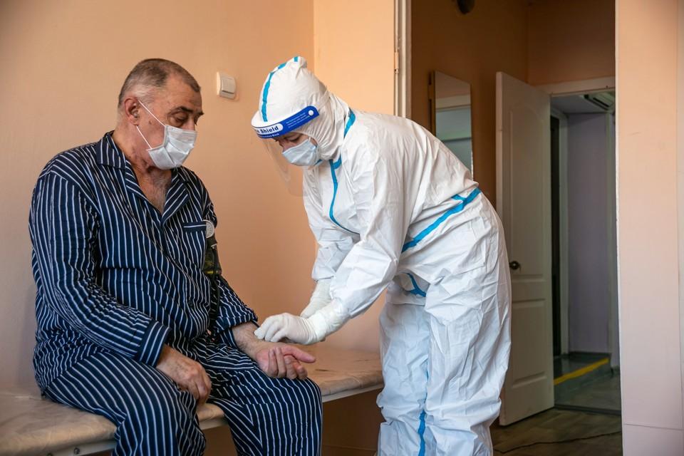 Заболевших опять более 300 человек Фото: Диана ИВАНОВА