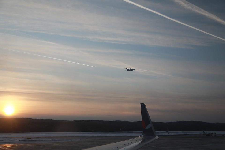 Пассажиры вылетели резервным бортом