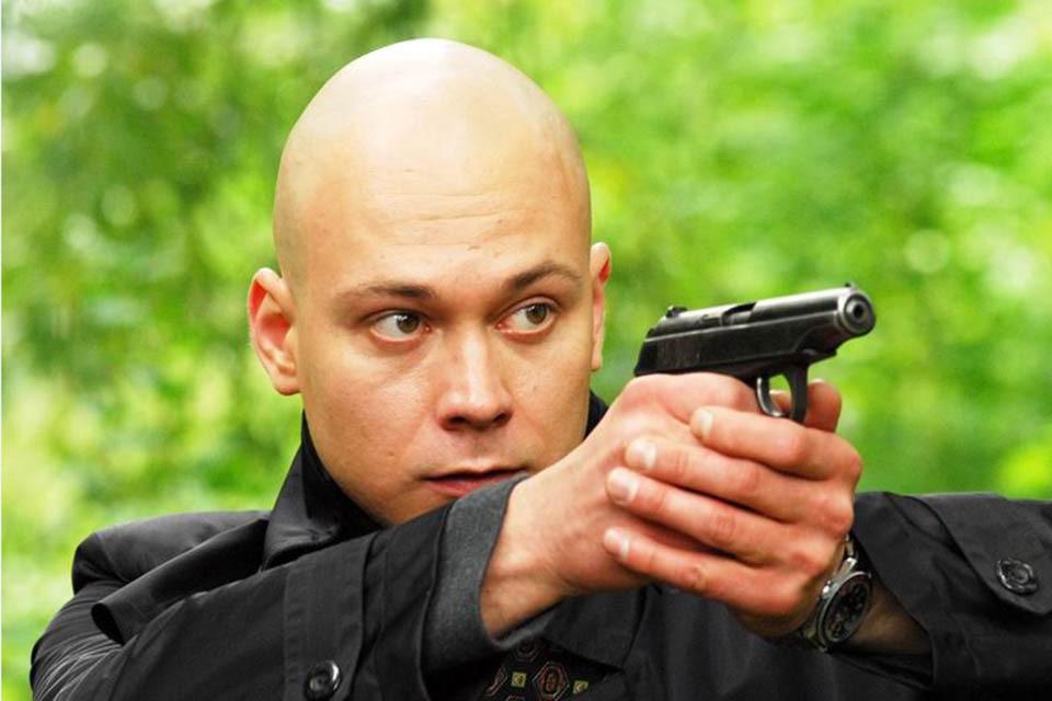 """Актёр Максим Браматкин, сыгравший в фильмах """"Звезда"""" и """"Семь пар нечистых"""", умер на 42 году жизни"""