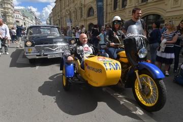 Байкер ответил Собчак, удивившейся, что мотоцикл «Урал» стоит 900 тысяч