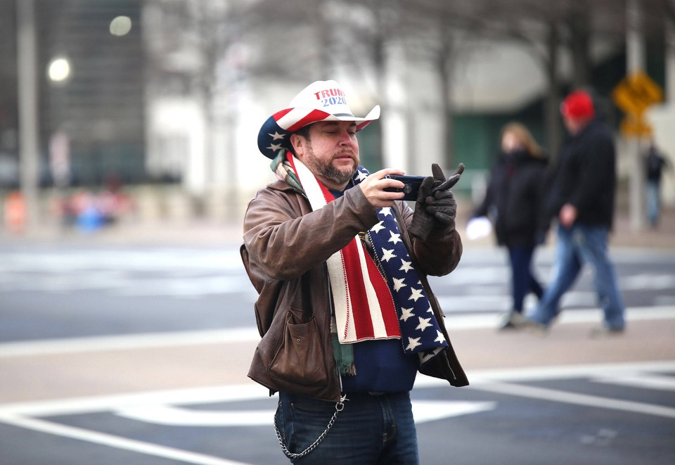 В США возбуждено 25 дел о внутреннем терроризме после беспорядков в Капитолии.