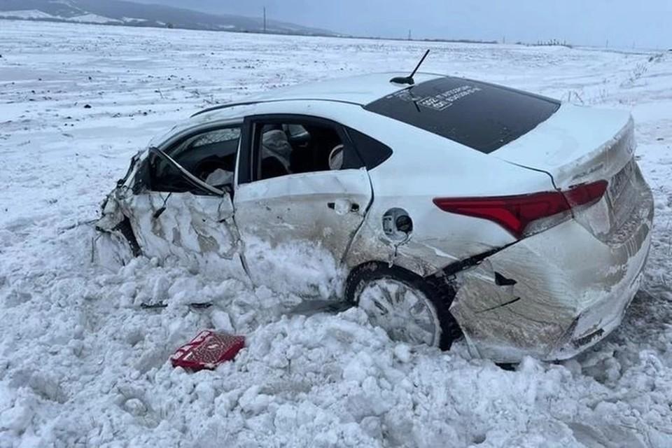 В день аварии в республике весь день шел снег, была плохая видимость.