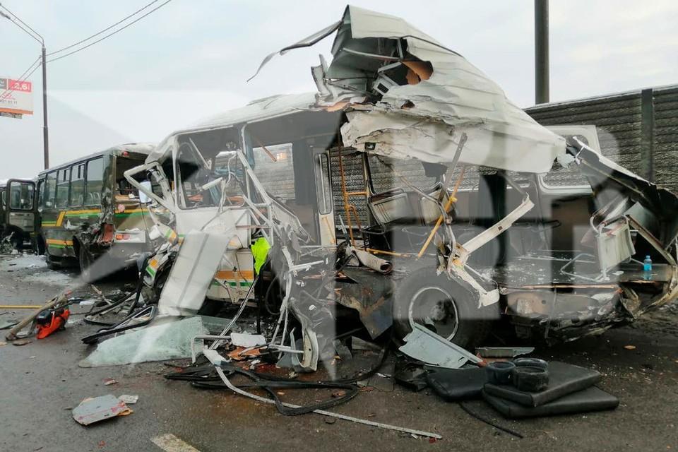 Четыре человека погибли в ДТП с военными автобусами в Подмосковье. Фото предоставлено очевидцами