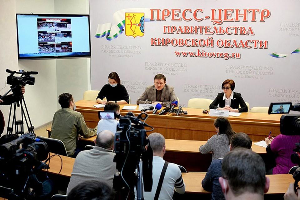 В правительстве ответили на вопросы журналистов о том, с какими трудностями при вывозе ТКО пришлось столкнуться региональному оператору во время праздников. Фото: kirovreg.ru