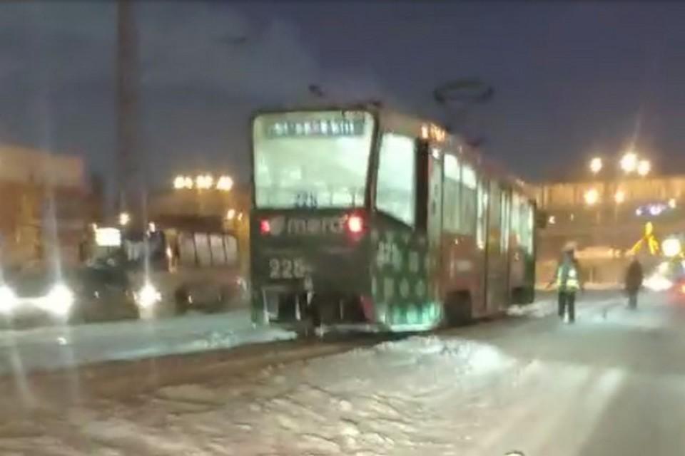 Трамвай сбил женщину на пешеходном переходе в Кемерове
