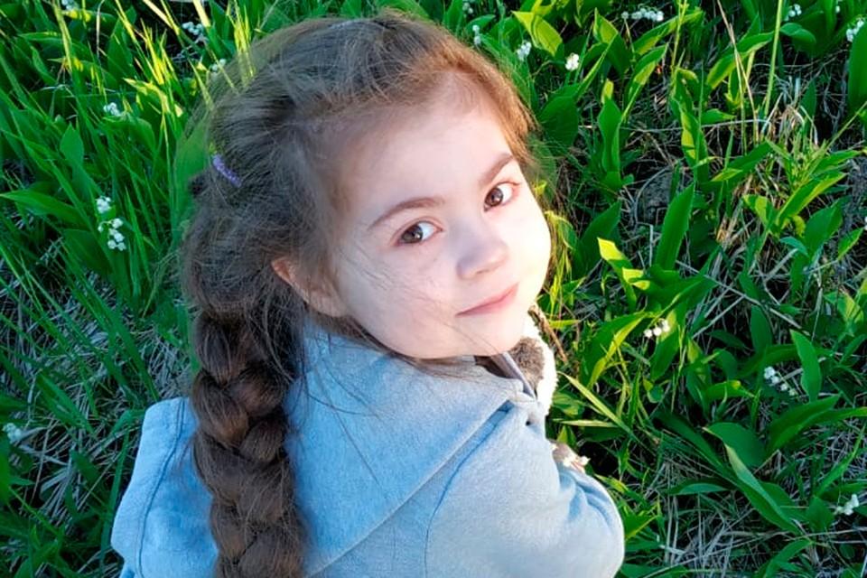 Юная петербурженка с детства не стригла волосы.