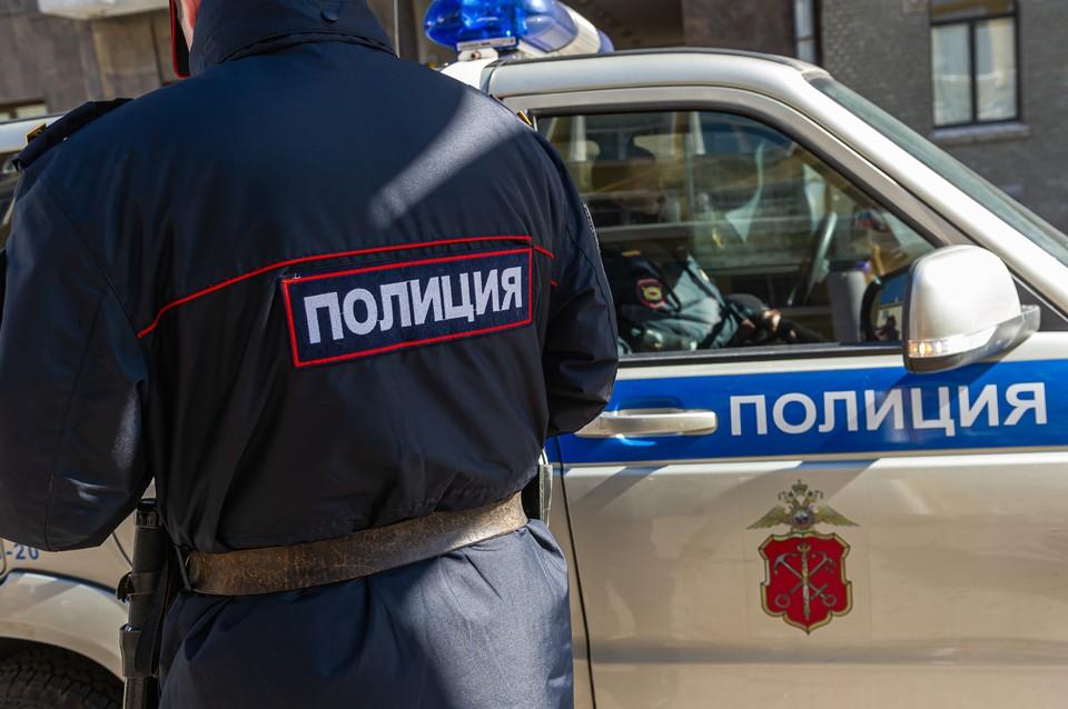Полицейские спасли девочек от смерти