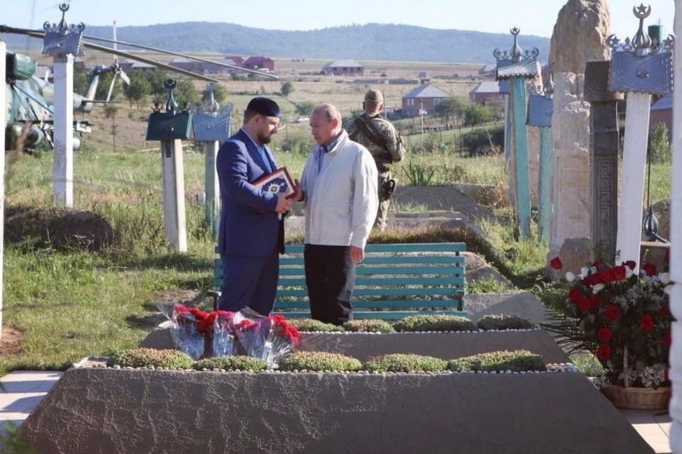 Рамзан Кадыров и Владимир Путин. Фото: vk.com/ramzan