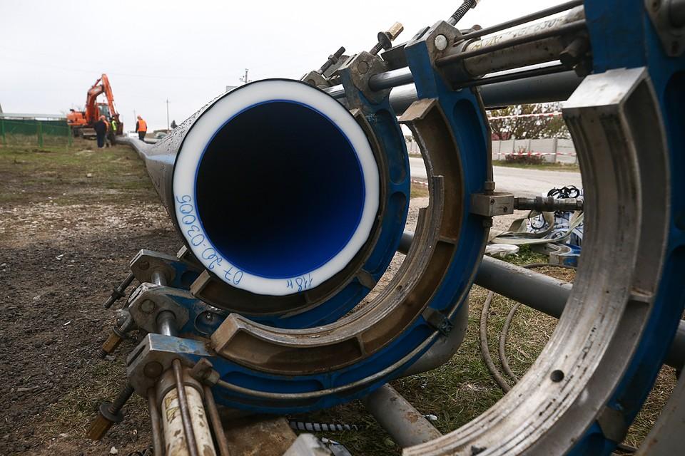 Работы ведутся в круглосуточном режиме в три смены. Фото: Сергей Мальгавко/ТАСС