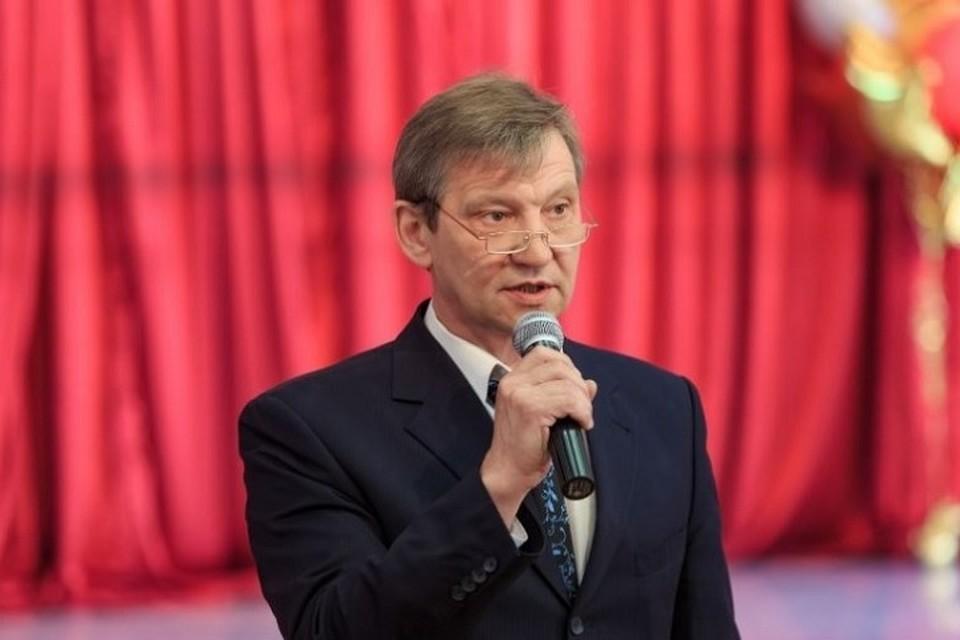 Он более тридцати лет работал в образовании, был заместителем директора лицея 25 лет. Фото: сайт лицея имени Дягилева