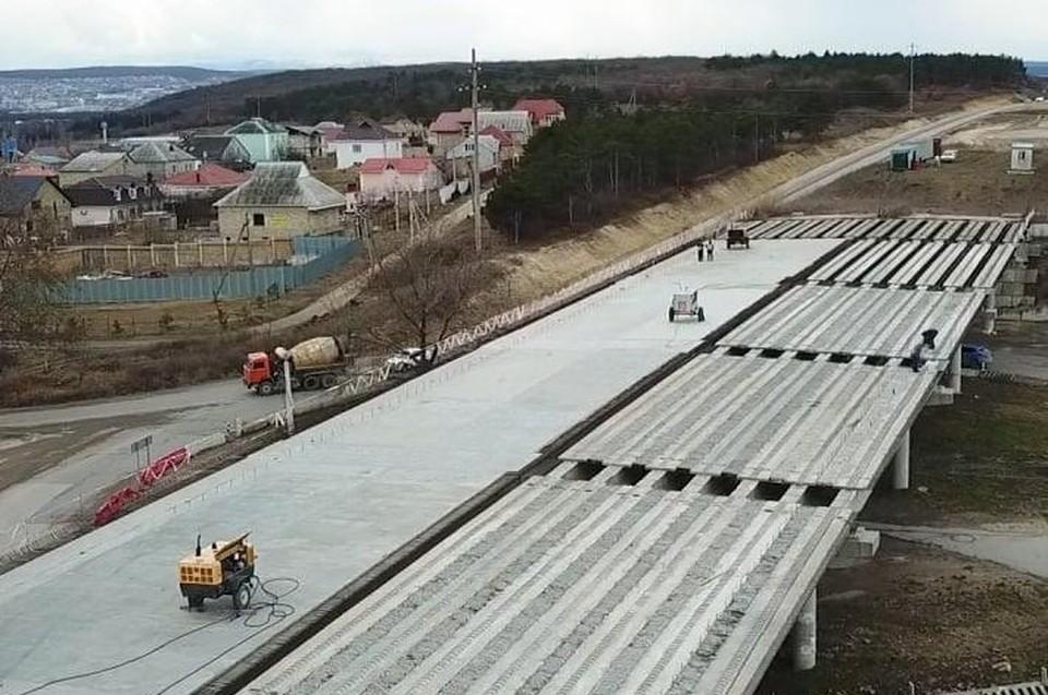 Путепровод на выезде из Симферополя планируют разрушить. Фото: пресс-служба ГКУ РК «Служба автомобильных дорог».