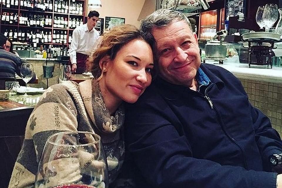 Жена Грачевского Екатерина с мужем.