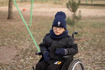 «После операции сын перестал ходить»: 8-летнему Руслану нужно обследование и лечение в Германии