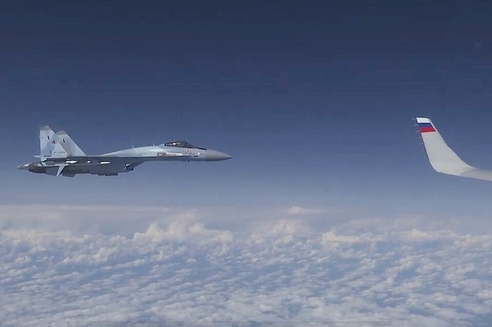Самолет НАТО F-18. Такие участвуют в учениях альянса