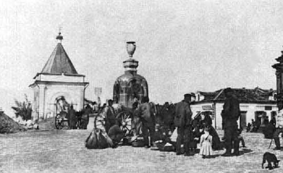 Фонтан был сооружен в центре города в 1838 году. Фото: simfion.ru