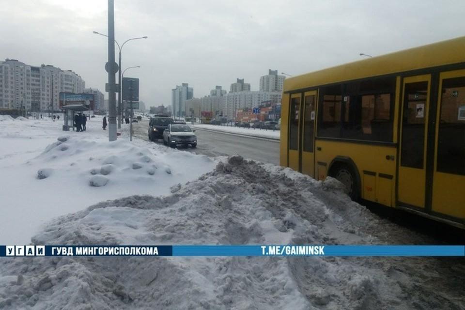 В Минске автобус задним колесом наехал на женщину. Фото: телеграм-канал УГАИ ГУВД Мингорисполкома