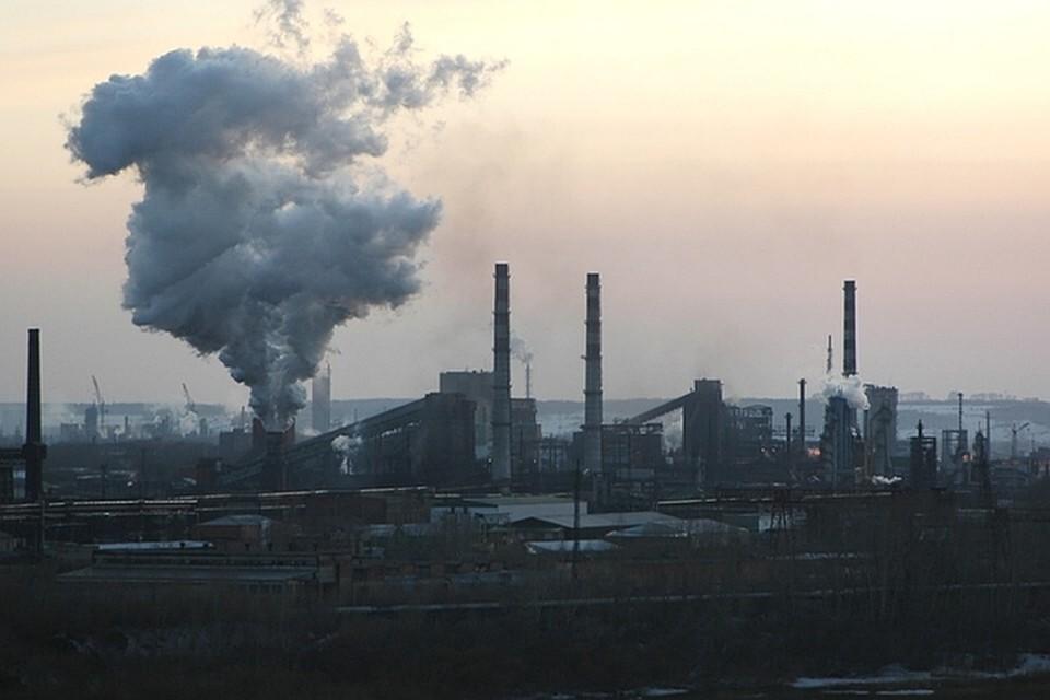 Еще на один день продлили режим «черного неба» в Кемерове