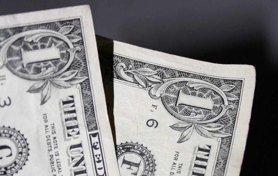 Американская валюта снова начала снижение