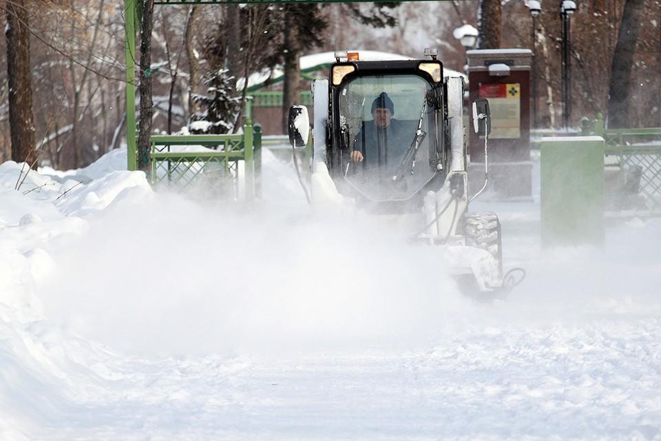 Более 38 000 тонн снега вывезли с улиц Иркутска за 15 дней февраля