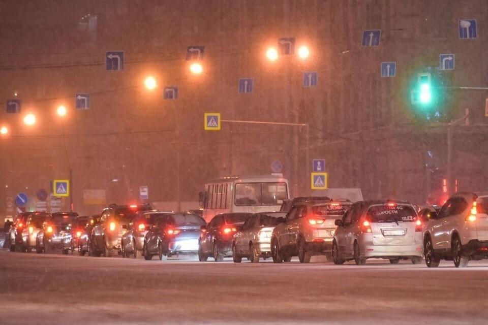 Новосибирск сковали 9-балльные пробки.