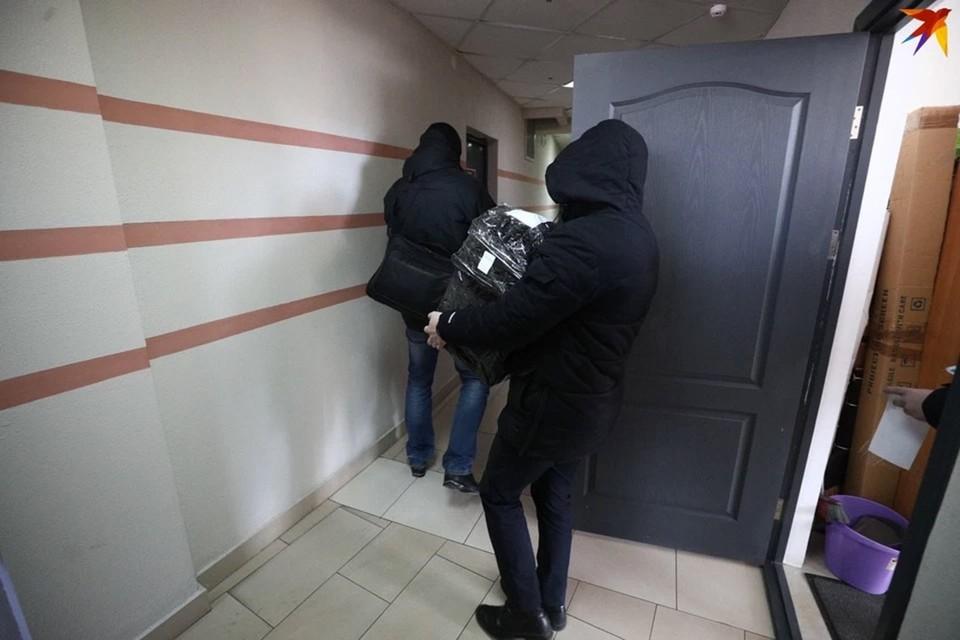 В офисе БАЖа утром 16 февраля прошел обыск.