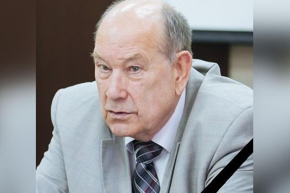На 84-м году жизни скончался тренер женской баскетбольной команды «Динамо» Леонид Ячменев. Фото: Пресс-служба МФКиС НСО