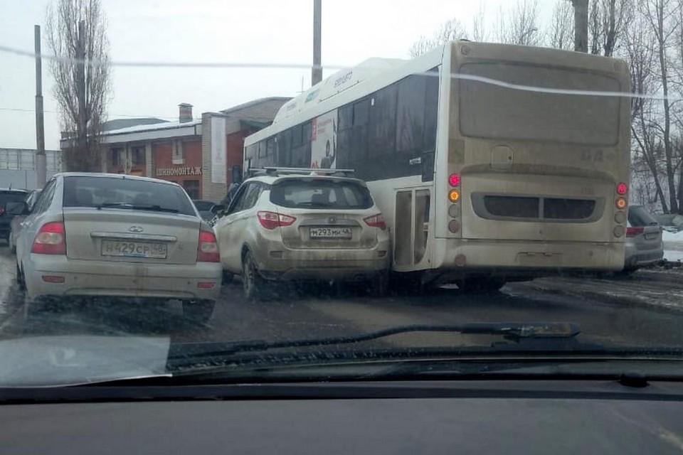 ДТП с автобусом в Липецке