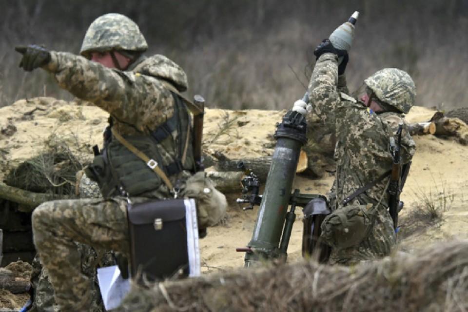 В общей сложности, украинские солдаты выпустили по поселку 51 мину. Фото: штаб «ООС»