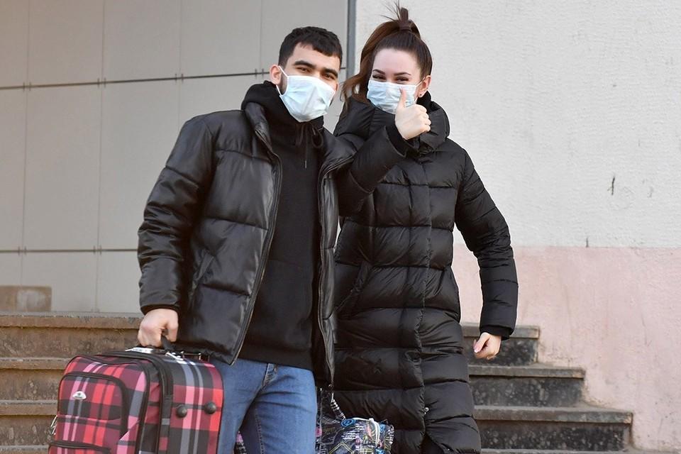 После 11-го дня с начала болезни человек с ковидодм уже может быть не заразен, рассказали медики.