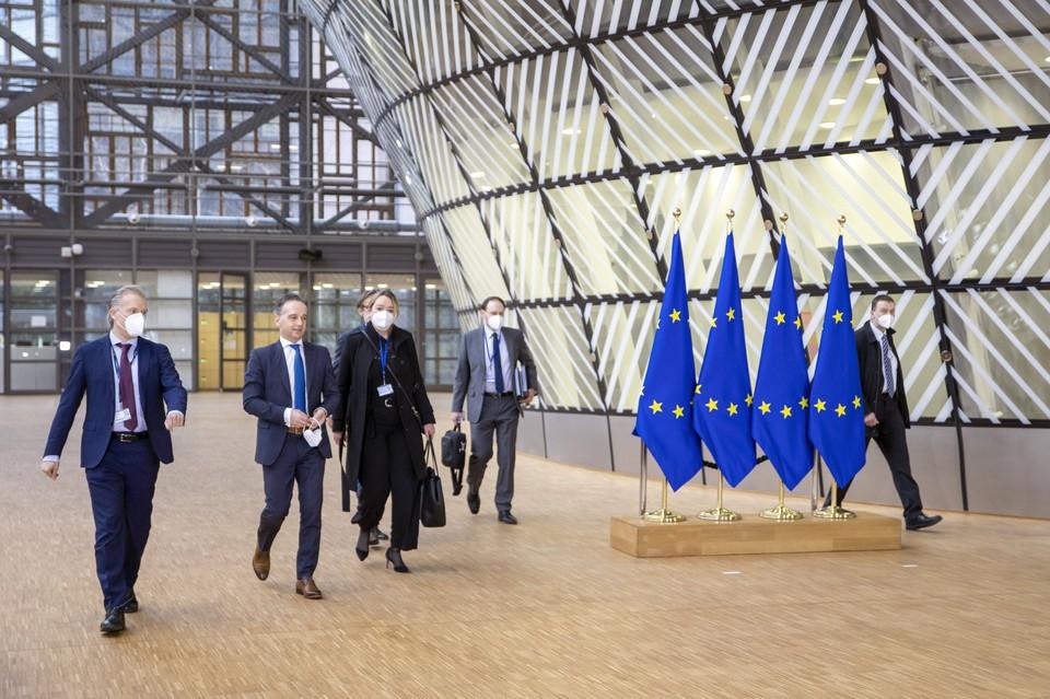 Reuters: ЕС введет санкции против глав силовых структур России.