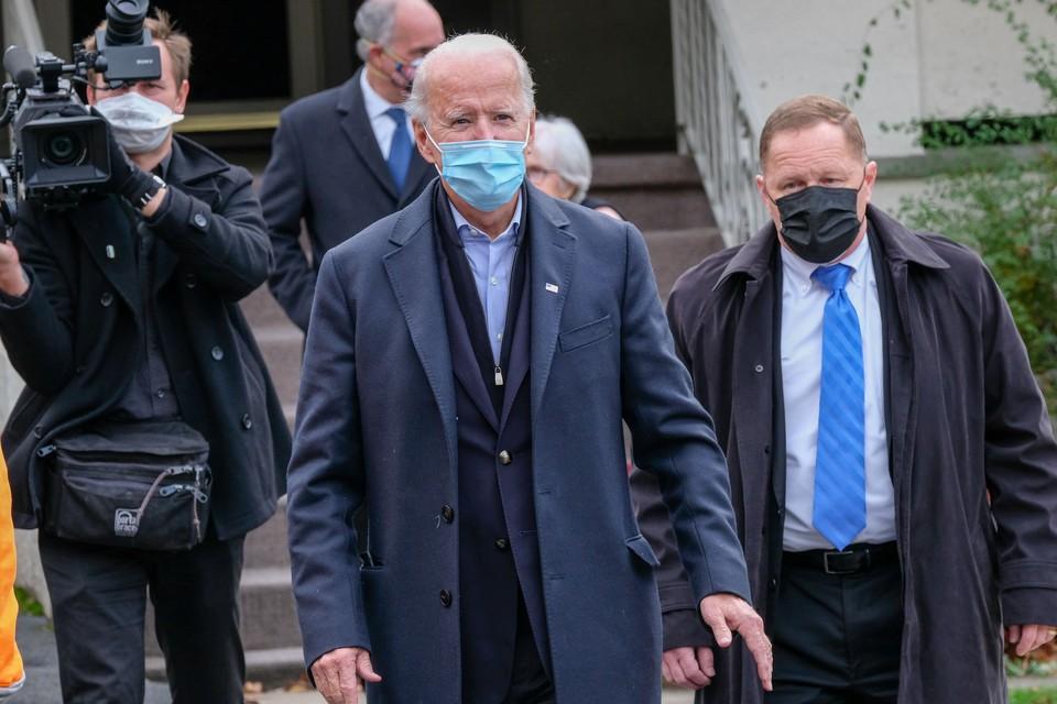 Президент США Джо Байден объявил о пятидневном трауре по жертвам коронавируса.