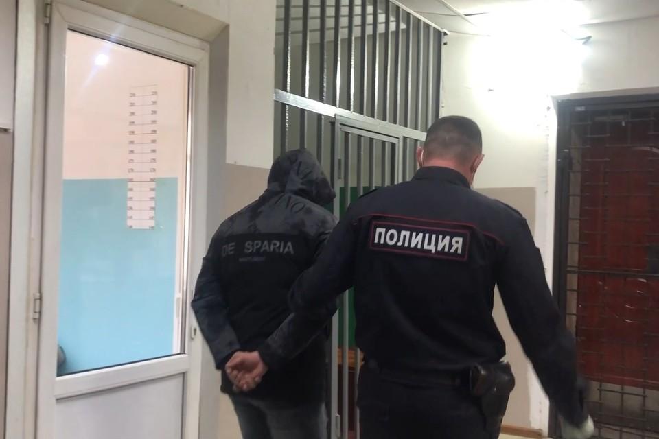Троих грабителей, похитивших сейф с пятью миллионами рублей задержала полиция в Арсеньеве. Скриншот видео: пресс-служба МО МВД России «Арсеньевский»