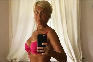 58-летняя Алена Свиридова поспорила с Собчак из-за фото в бикини