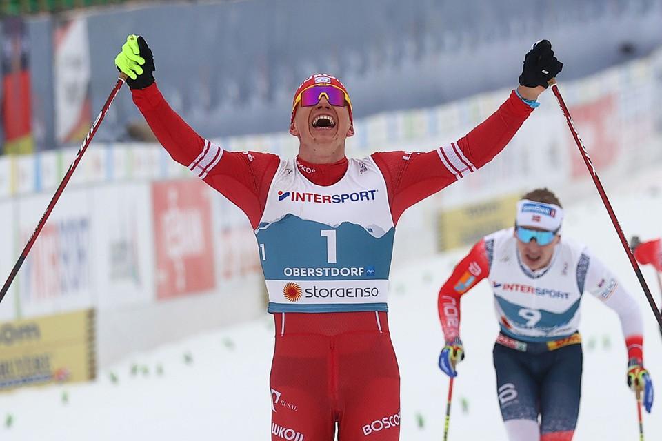 Александр Большунов в 30-километровом скиатлоне выдал уникальный спурт, оставив позади всех пятерых норвежцев