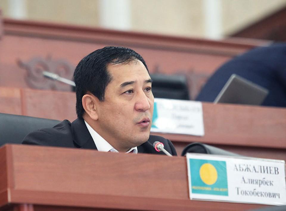 Депутата парламента Алиярбека Абжалиева заподозрили в незаконном обогащении