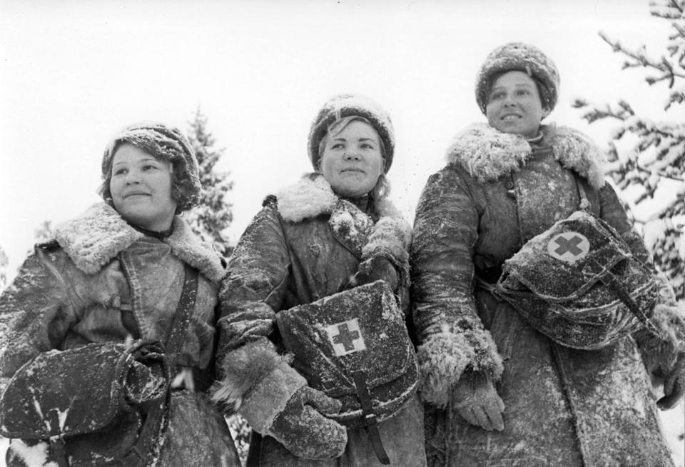"""Минобороны: """"1 289 девушек-снайперов уничтожили свыше 11 820 немцев"""""""