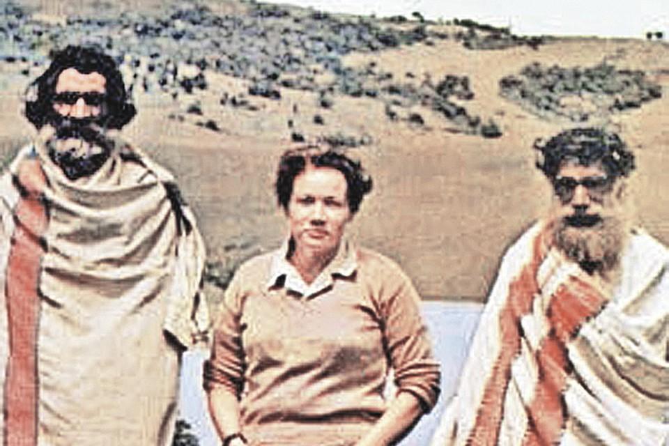 Людмила Шапошникова в гостях у племени тода, горы Нилгири, Индия. Увидеть этот загадочный народ она мечтала с юности. Фото: Личный архив