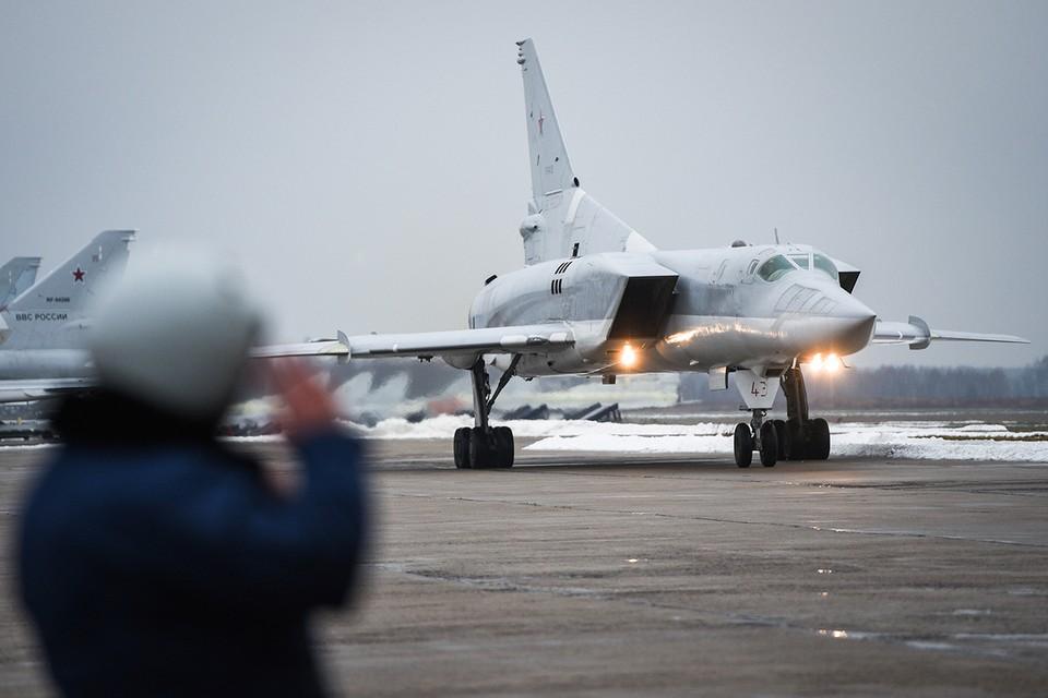 По предварительной версии, причиной трагедии на дальнем бомбардировщике Ту-22М3 стало нештатное срабатывание системы катапультирования