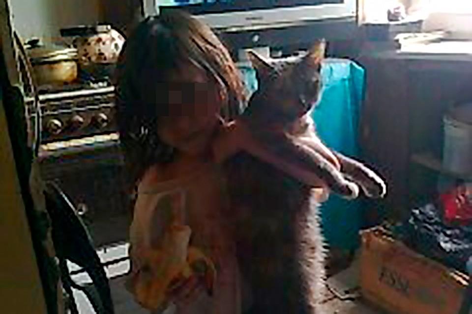 На мать девочки-маугли, найденной в Талдоме истощенной и без одежды, завели дело   Видео