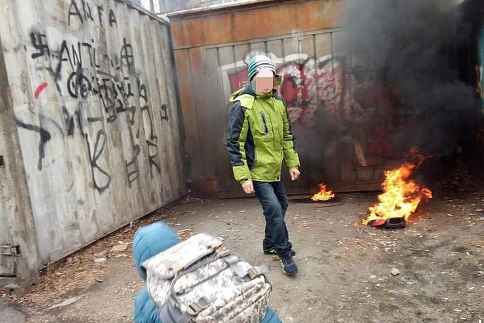 Дети играли с огнем у гаражей. Фото: Instagram/lifedv
