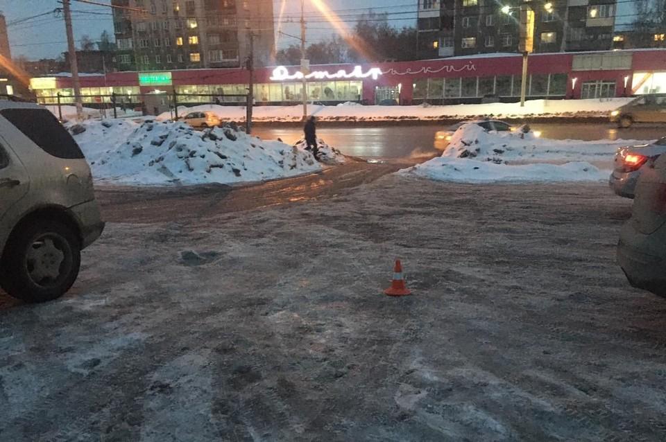 В Новосибирске водитель сбил пассажира на парковке и уехал. Фото: Госавтоинспекция по Новосибирску